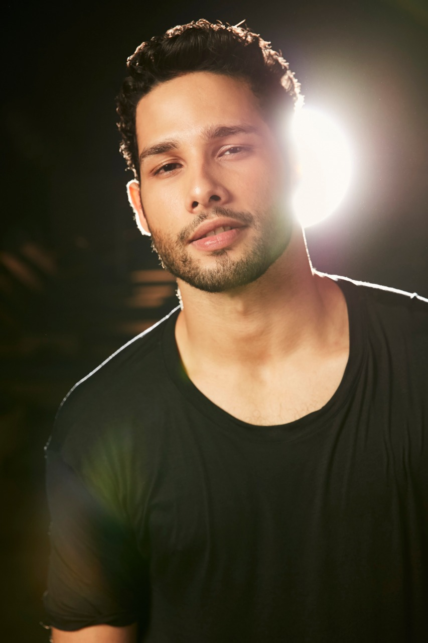 Meet Gully Boy Siddhant Chaturvedi Who Has Rapped His Way Straight Into Our Hearts